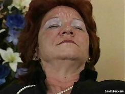 Bucette Granny Strapon Using a Dildo