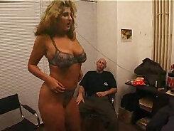 Amateur porn group in Milfs dorm room
