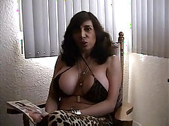 Ana Beau Swinger The Chicks Eat Each Other