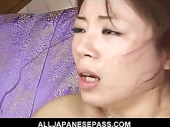 Babe toying her hairy pussy in splitscreen