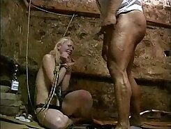 Amateur BBW gets forced to fuck together in threeroorm