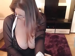 Busty secretary gets to take her work-family lunch break at work