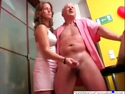 Behind the scenes with horny amateur guys