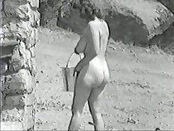 Busty retro slut Sophia Santos takes in a nice titiflity