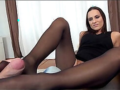 Amazing longy with sexy legs lets me POV action