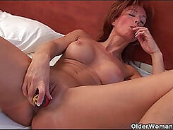 Cherry Barnes let grandma drill her with huge dildo inside her pussy