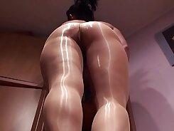 Crossdresser fcked in her legs. Pantyhose